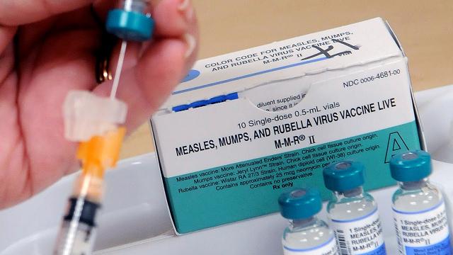 Снимка: Ваксина срещу морбили, паротит и рубеола, здравен отдел на окръг Ориндж, Орландо, Флорида